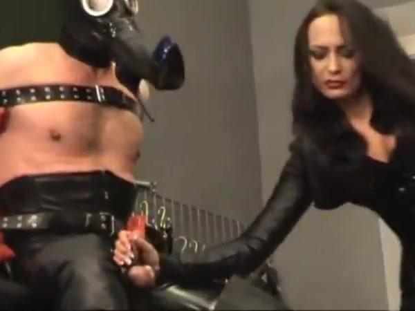 Breathplay Horny girls kissing sex