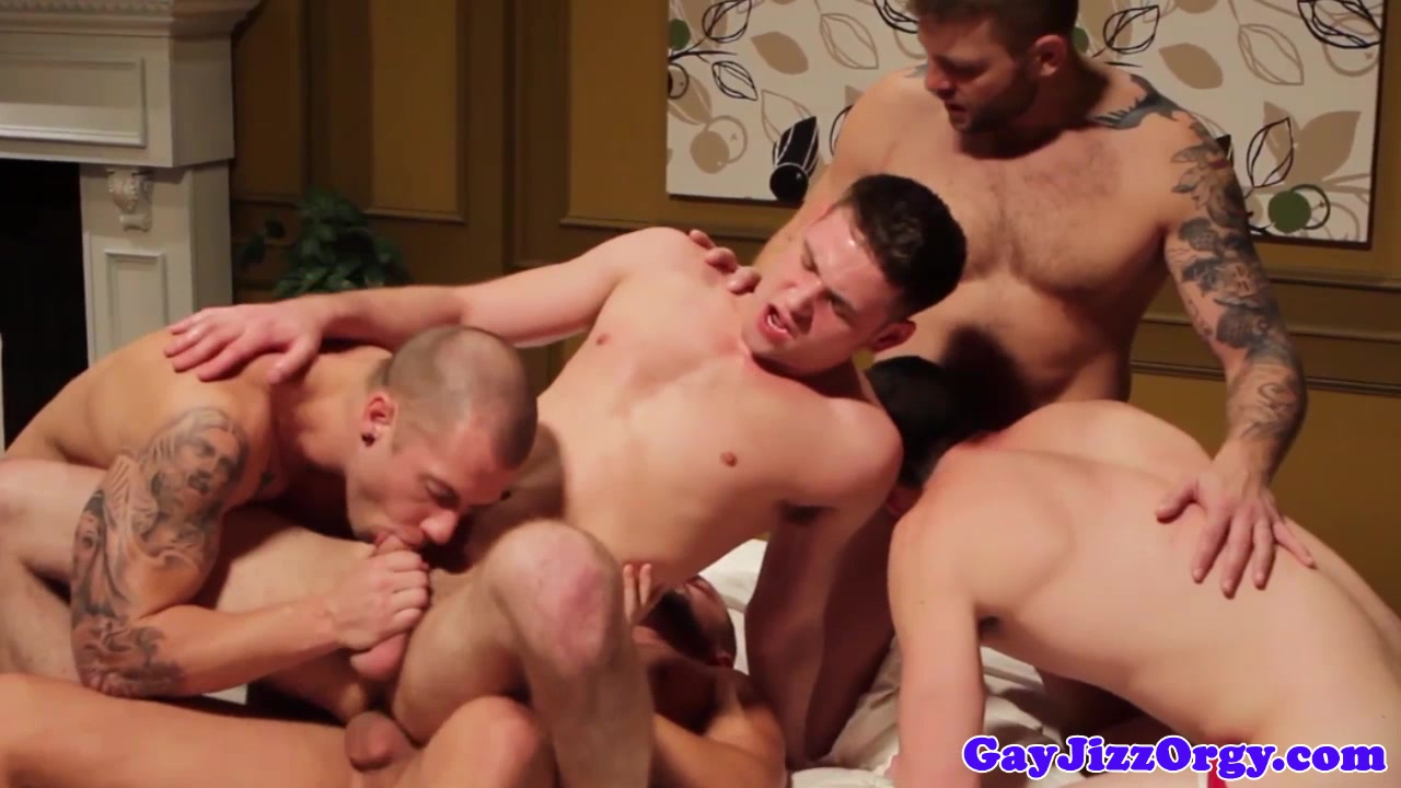 Cumshot loving muscle jock in group gets anal Naked at the waterhole