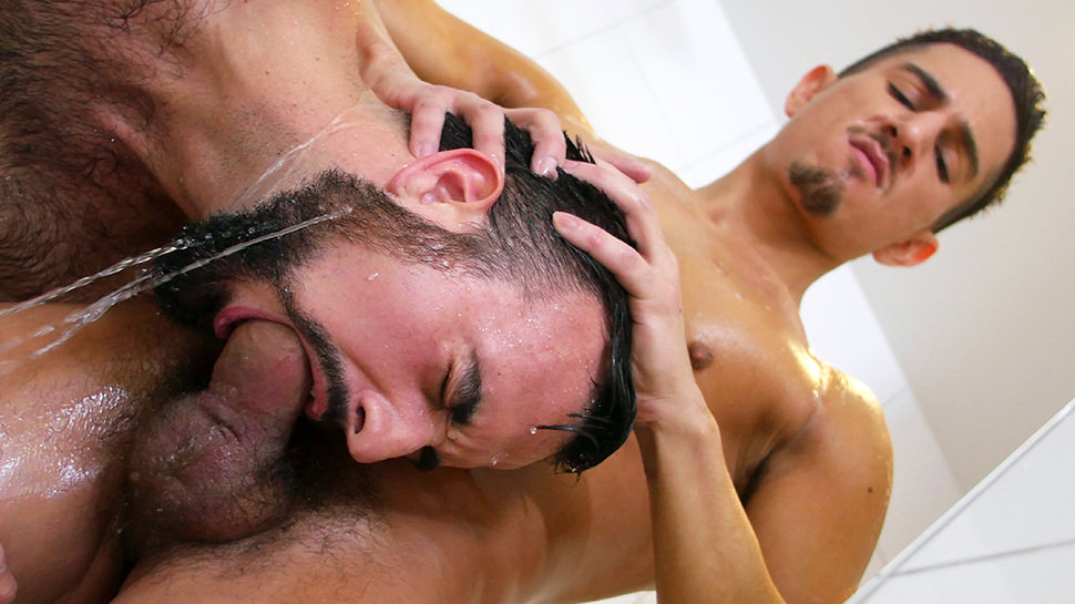 Beau Taylor Mason Lear in Sudsy Cock Sleeve - GayRoom Wifi Switch
