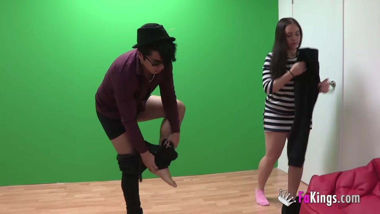 Desperate gal wants to fuck her idol Www cute teen fuck