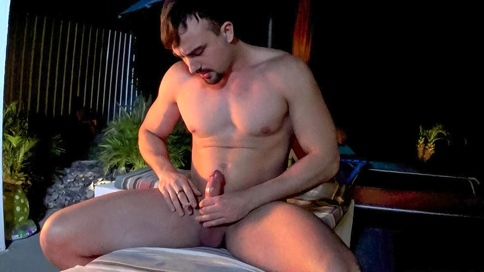 Big Guy Mason Smoking In The Garden - Mason Lear - Boys-Smoking Xxx naked amateur gif