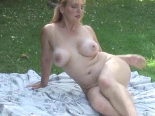 Busty blonde mature danielle sexy tennagers on video stripping