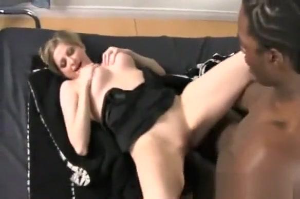 maxcuckold.com Lya Pink Cuckold Interracial Sex Escort in Concepcion del Uruguay