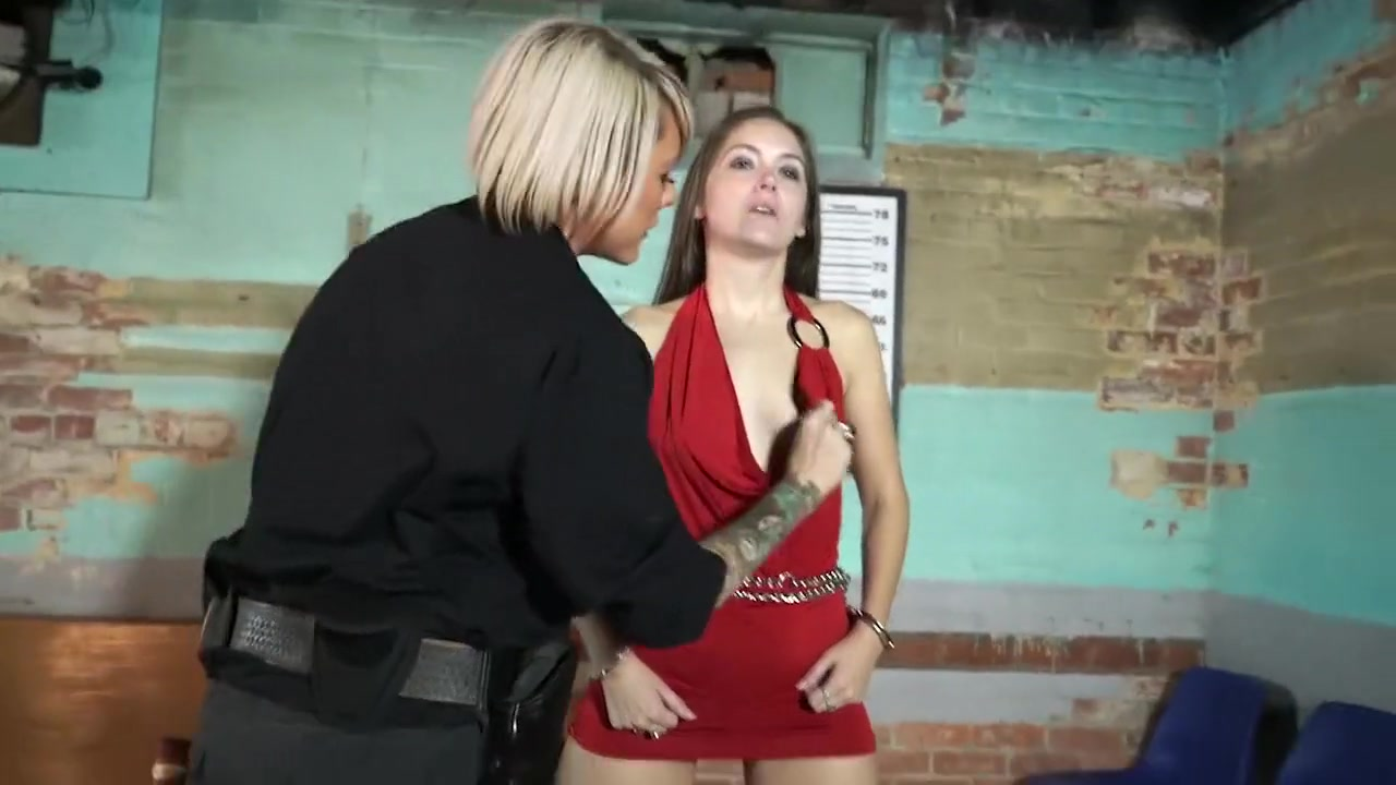 Rachel arrested by officer Jane eric cantor is gay