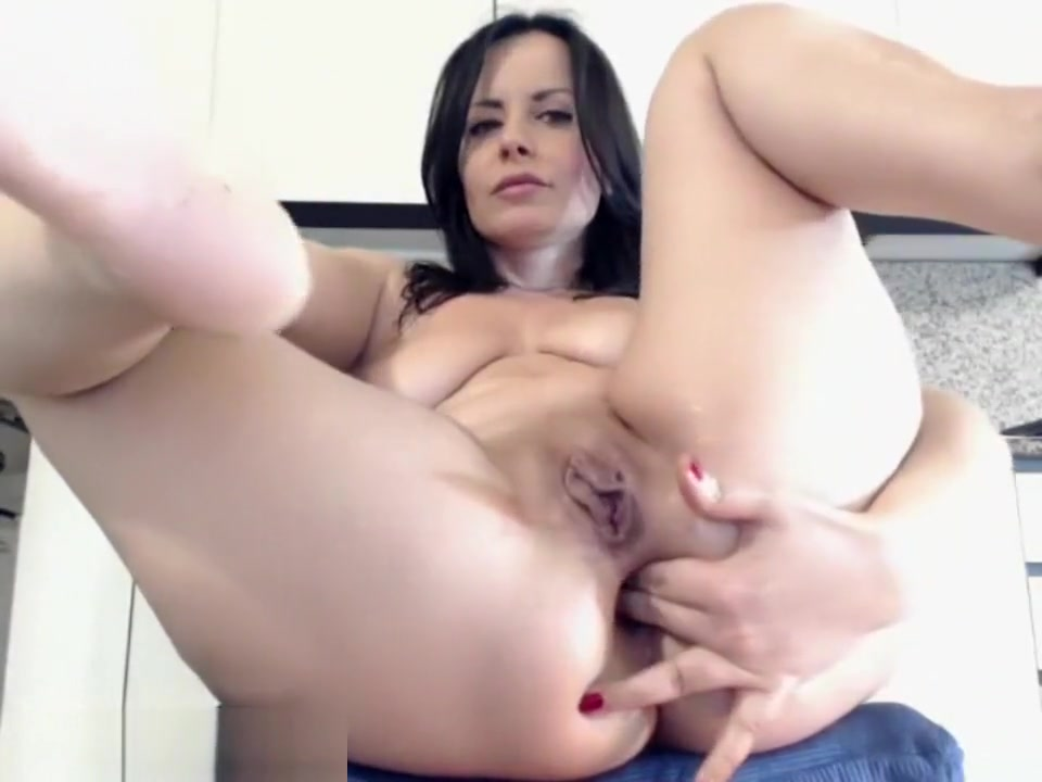 Cute Milf Slut Squirts On The Floor How to give penis massage