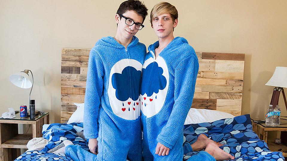 Cute Onesie Boys Get Very Dirty! - Cameron Hilander Kyle Rhodes - BoyCrush British teen pussy pics