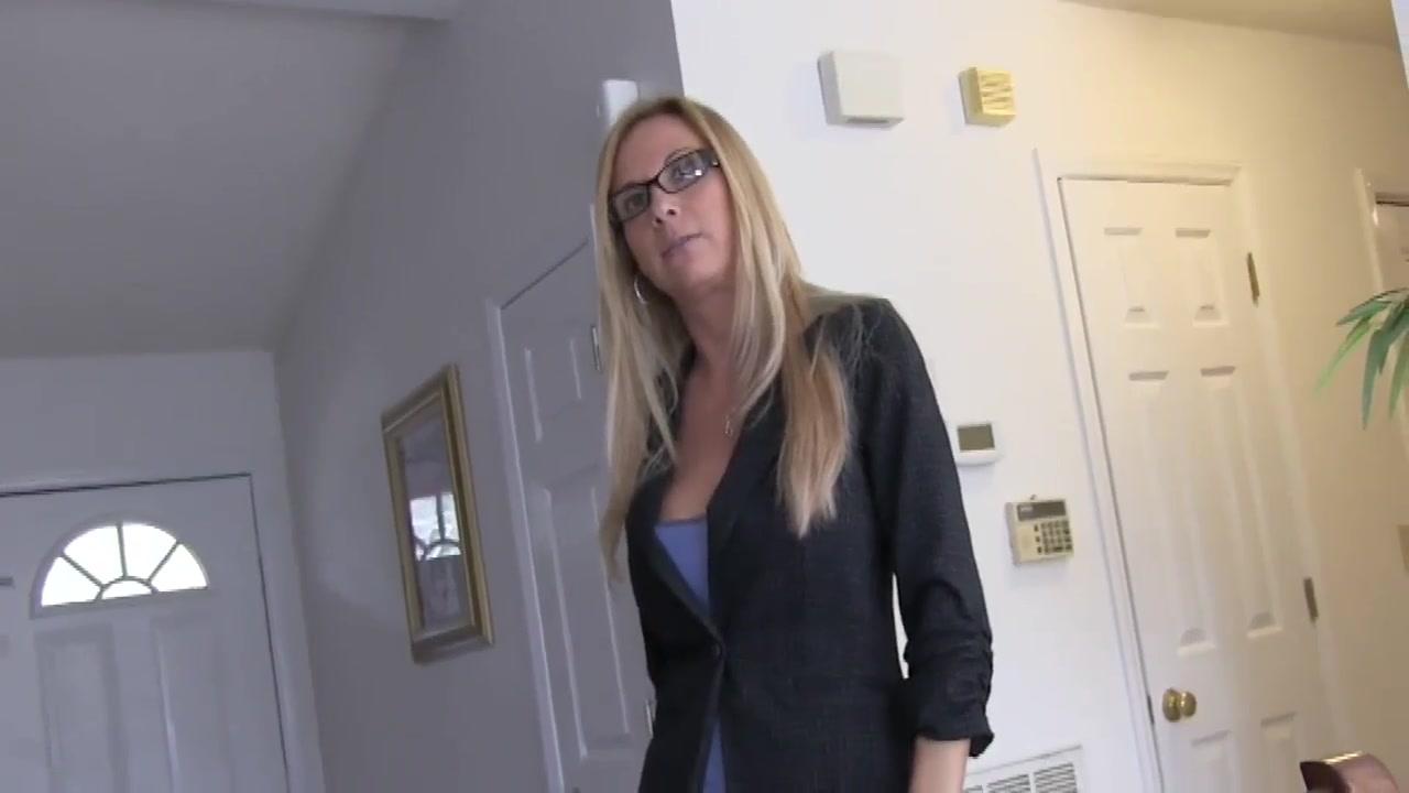 Mature oral, facial Cheating wife cuckold fuck caption