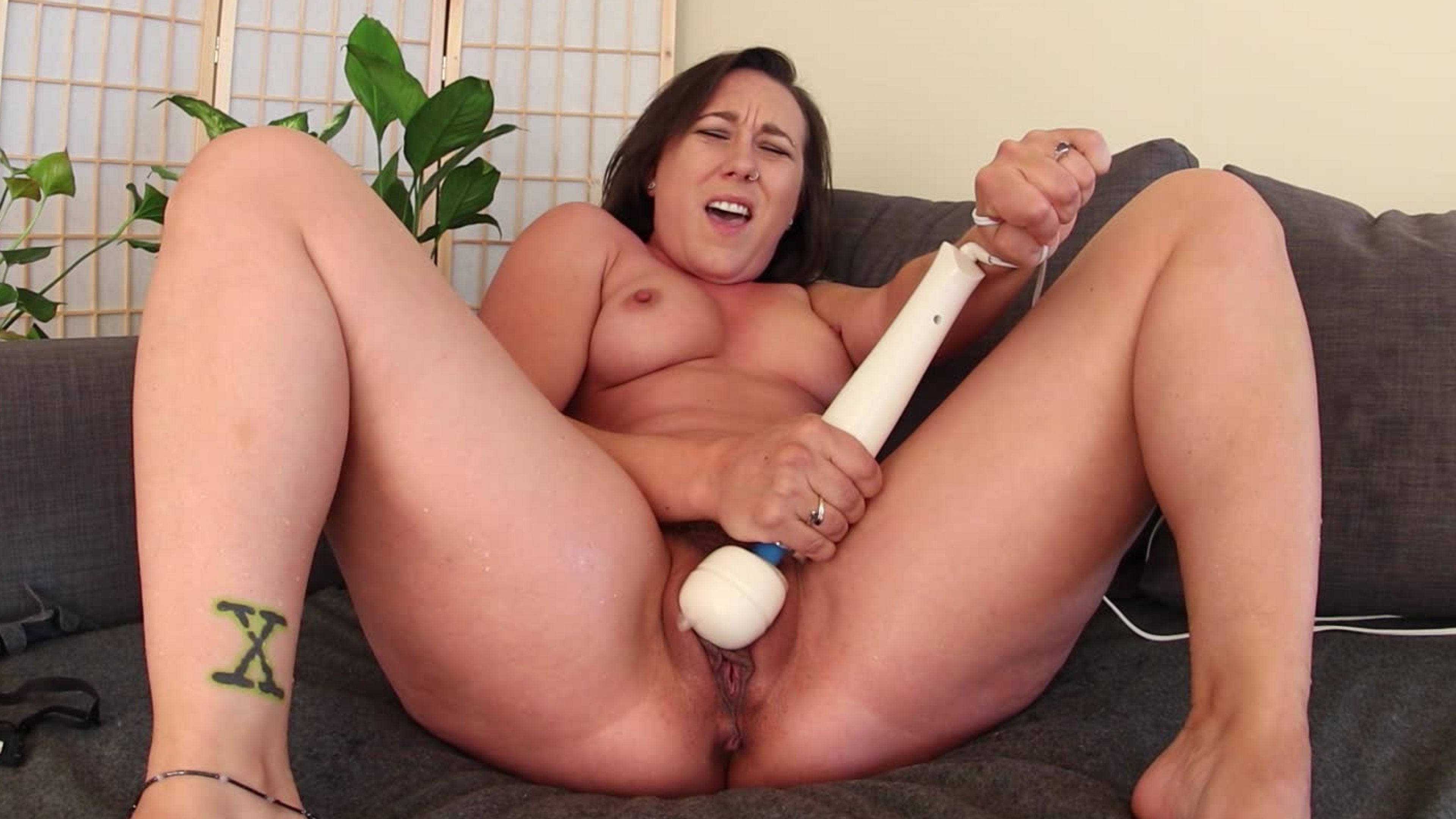 Sinn Sages Screaming Squirting Orgasm - VR mom is naked tumblr