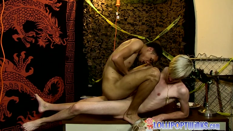 Lollipop Underground: Part 3 - Jason Valencia Robbie Anthony - twinkylicious it aint me babe tabs