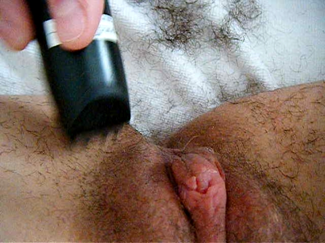 trimming and shaving yg twat