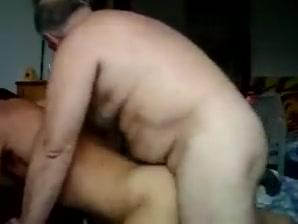 Daddy bear barebacking woman deep throating cock