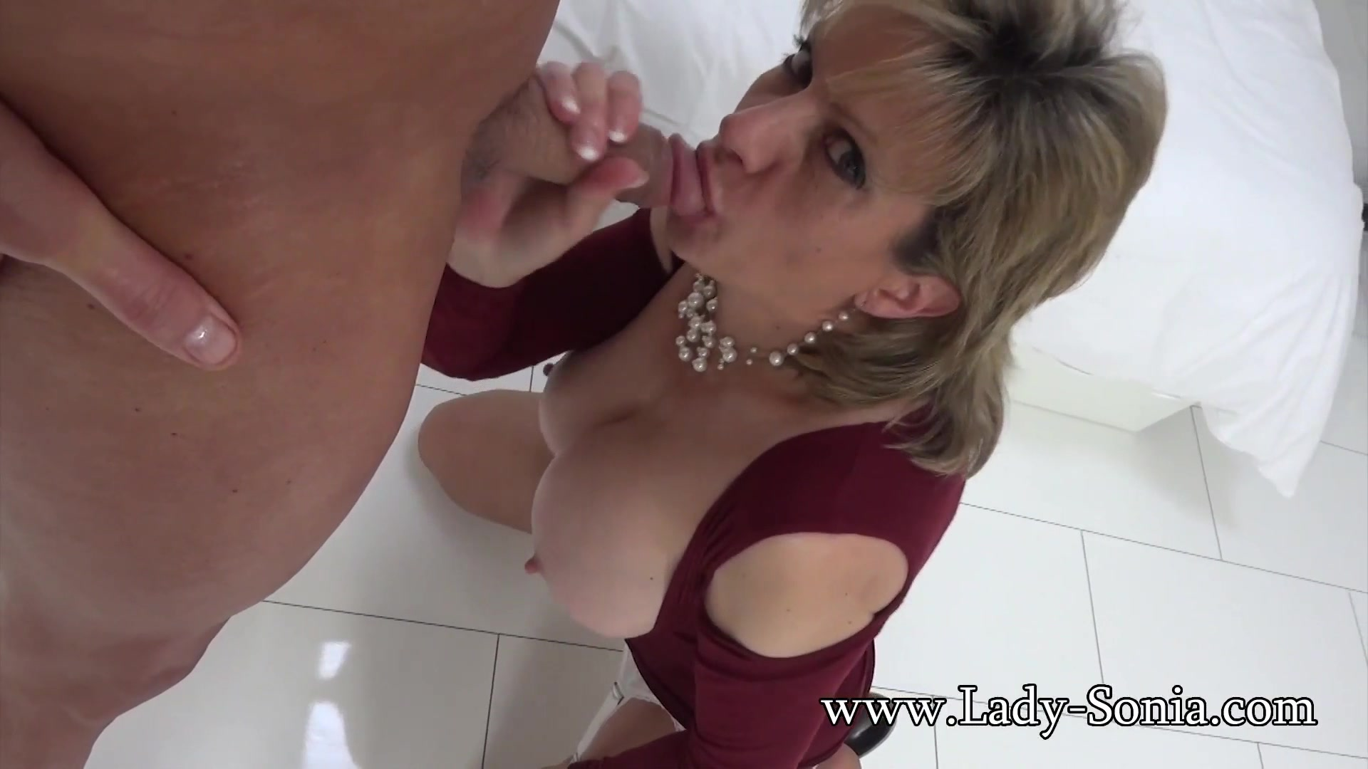 Lady Sonia Mature Slut Oiled Up And Sucking Cock Tailor Fuck The Girl
