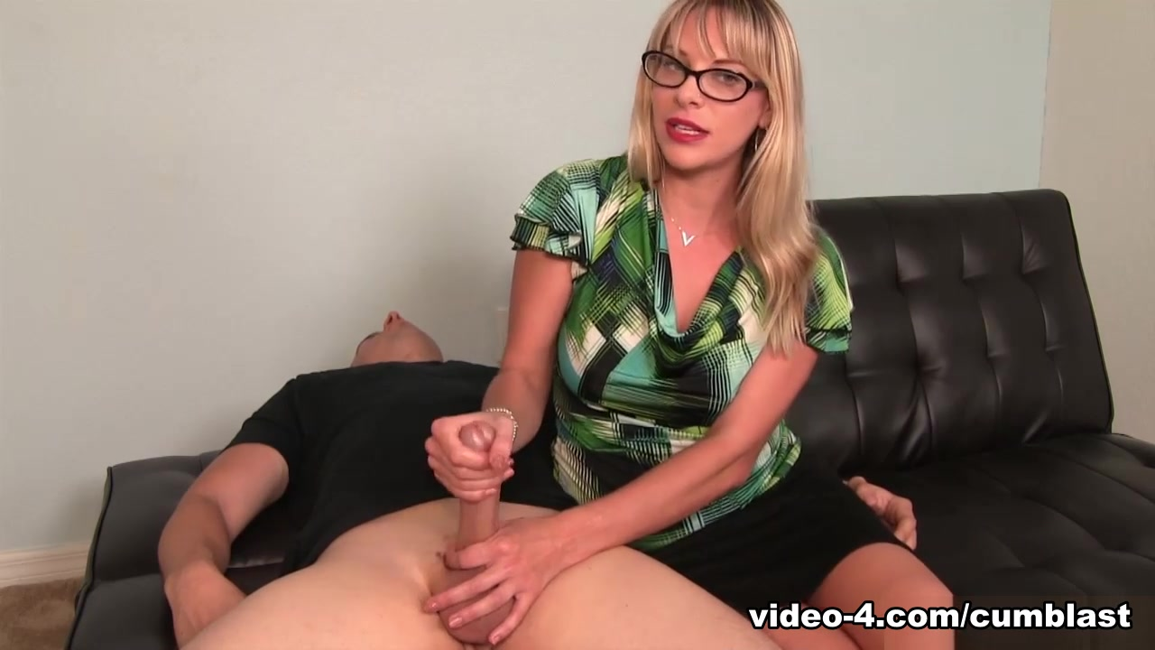 Vicky Vixxx: Sex Therapist Got Jizzed - CumBlastCity