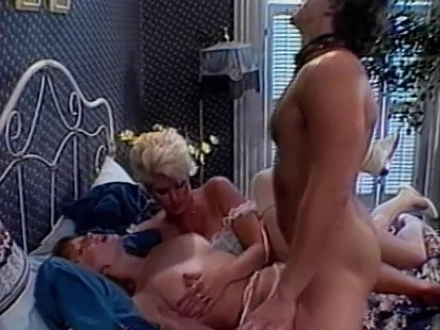 Amber Lynn, Candy Samples, Jenny B. Goode in vintage xxx movie Lesotho babes