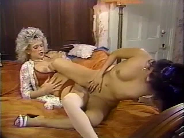 Amber Lynn, Debra Lynn, Erica Boyer in classic sex site italian movie and tv stars in nude