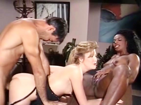 Mauvais DeNoir, Megan Leigh, Mike Horner in interracial sex episode with classic porn stars Black mirror metalhead song