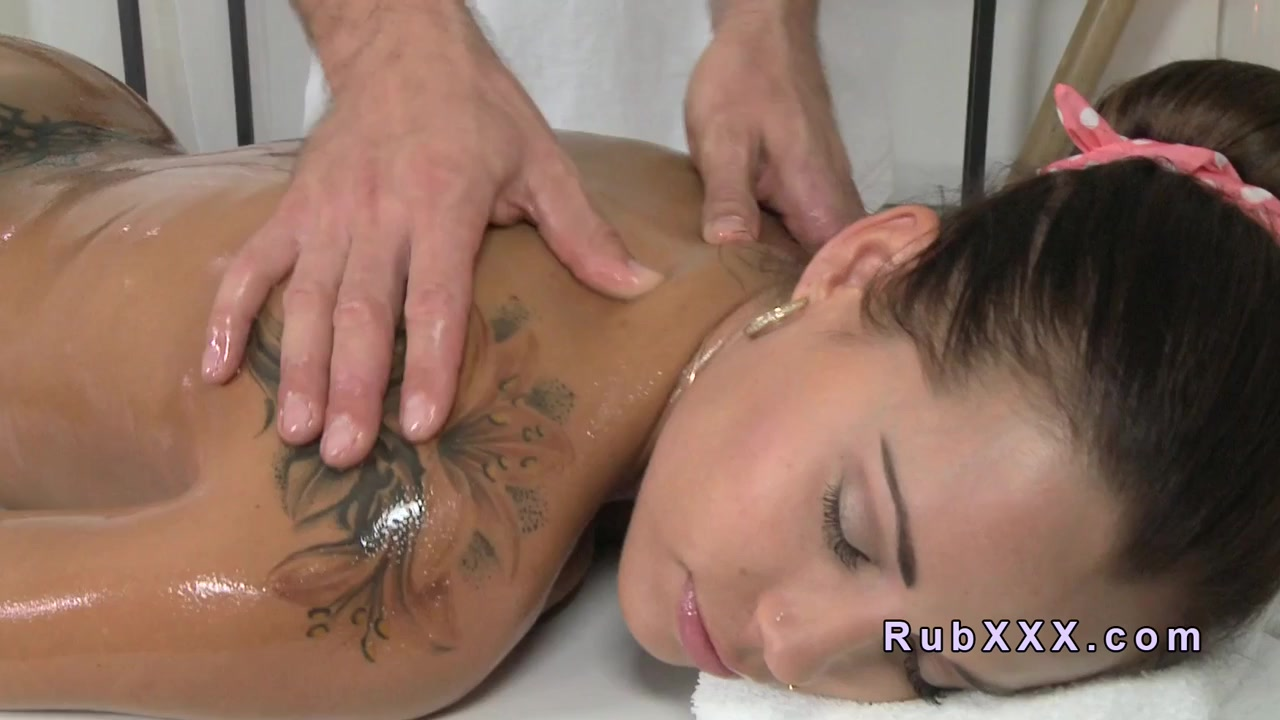 Masseur fucks busty Euro babe in massage room Pretty naked milf