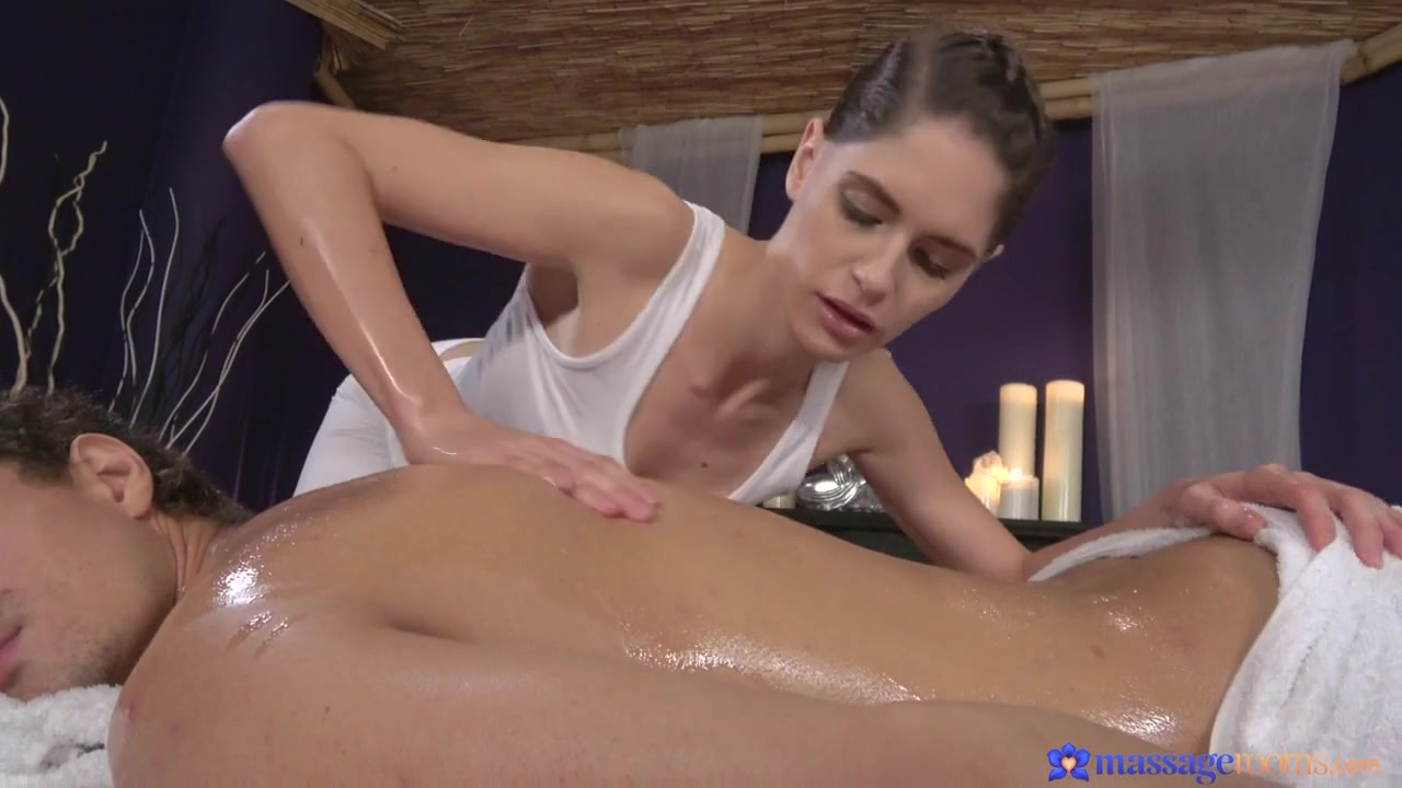 Alex Moretti & Lana Seymour in Oiled Masseuse Works Stiff Cock - MassageRooms