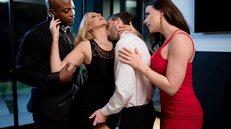 Chanel Preston & Julia Ann & Lucas Frost & Nat Turnher in Night Caps - BrazzersNetwork Blonde guys dick