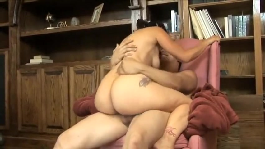 Sexy mature getting nuts. Ashton Moore With Dildo