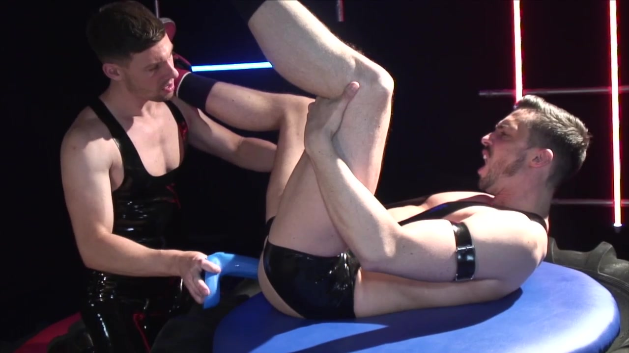 Hard Gear - Hole Wrecker - UKHotJocks dad fucks tranny son