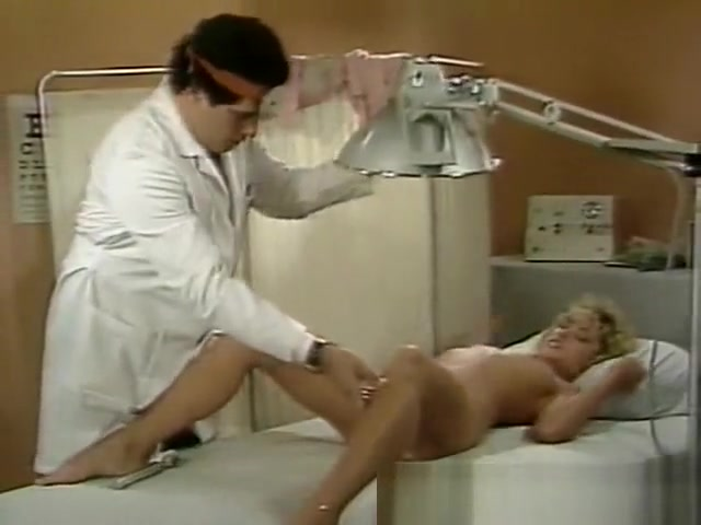 Doctor does pleasure spot stimulation Flexible babe enjoys riding huge cock