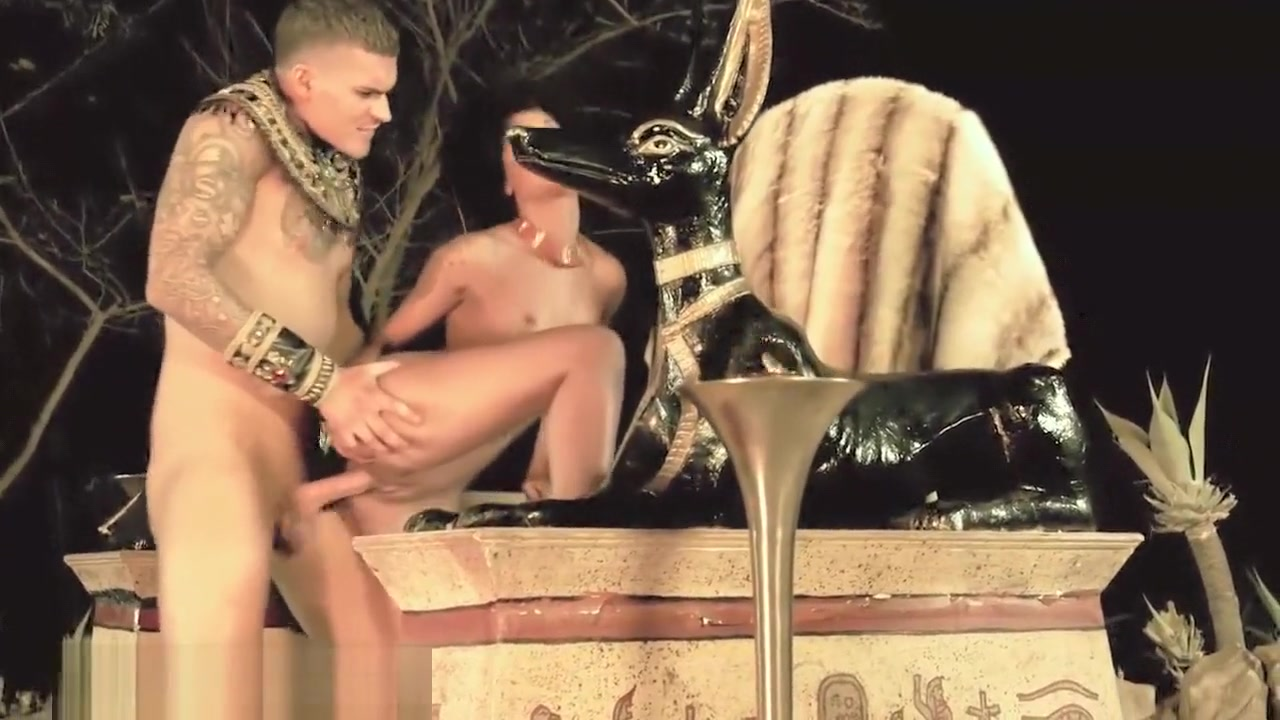 Skin Diamond fucks an Egyptian God Perfect ass pornstar