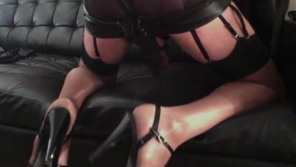 laurenne NL cums in leather spank-skirt sex offenders columbus ohio