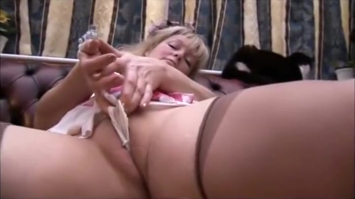 Busty mature babe in stockings and panty tease free clip hand jobs xxx