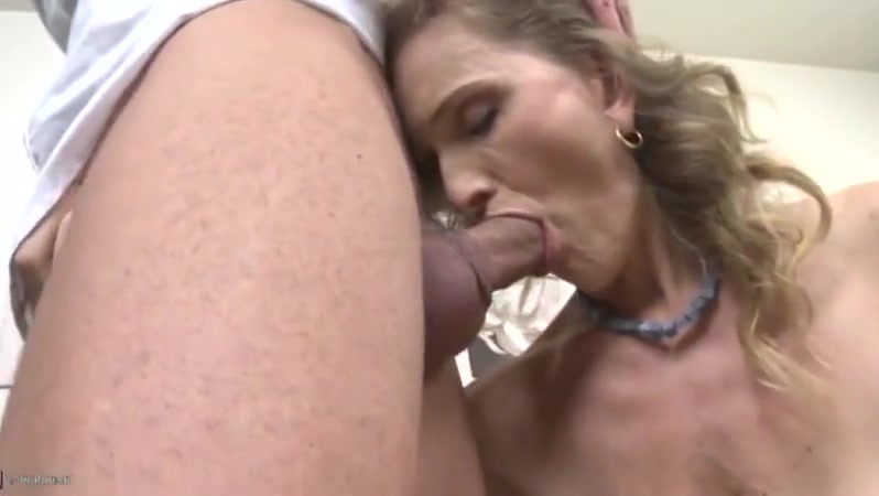 my talented cousin at it again Very hot sex and kiss enjoy brother with persian girl