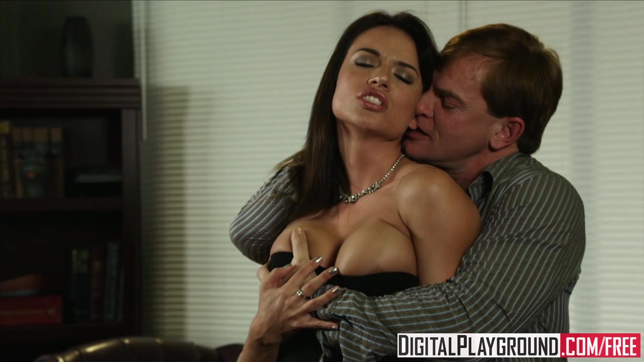 Dirty assistant Franceska Jaimes fucks her boss on his desk - Digital Playground