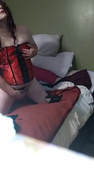 TS Cristy Red Corset Cumshot to Music