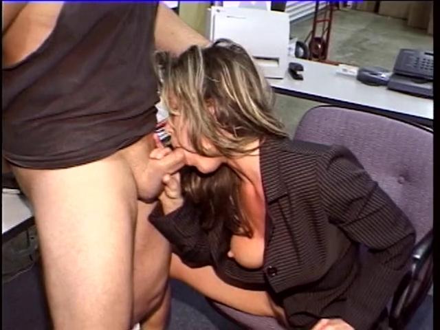 Smokin hawt scretary blowing strapon in the office Nicki Minaj Sex Tube