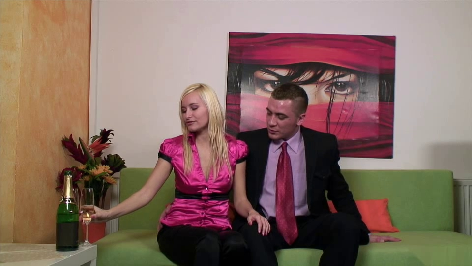 Fullyclothedsex Live Recording 13 free shemale on shemale sex movies