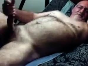 Hairy daddy bear on cam free sex movie online line
