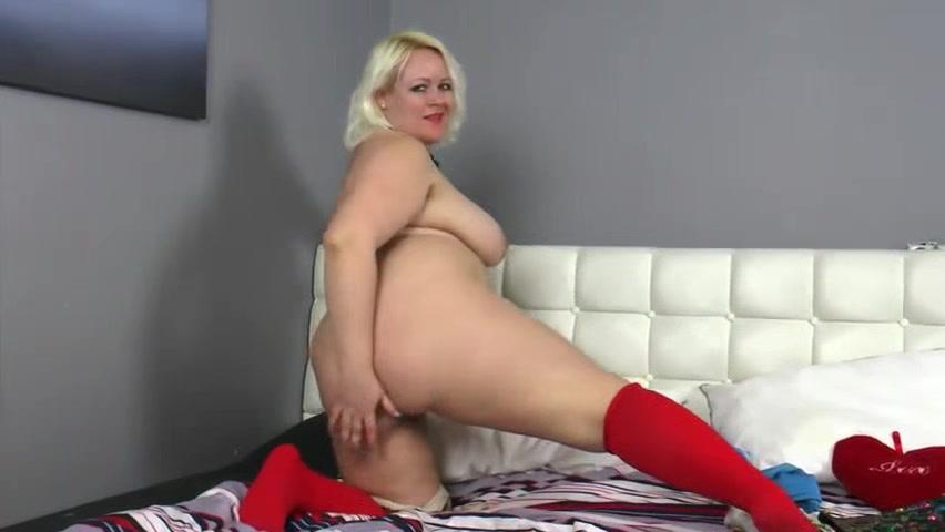 BBW Chubby Fat Plumper Dildo Webcam Fuck the white wife