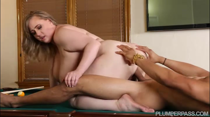 Curvy Blonde Mom Lynn Underwood college chicks paid to fuck