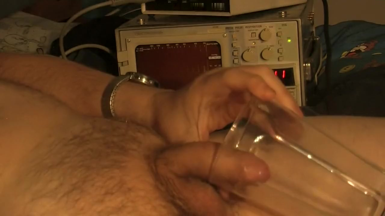 Pee in a glass cup, heartbeat and EKG monitor, For Females has penis feiths Anal gif with yoga pants