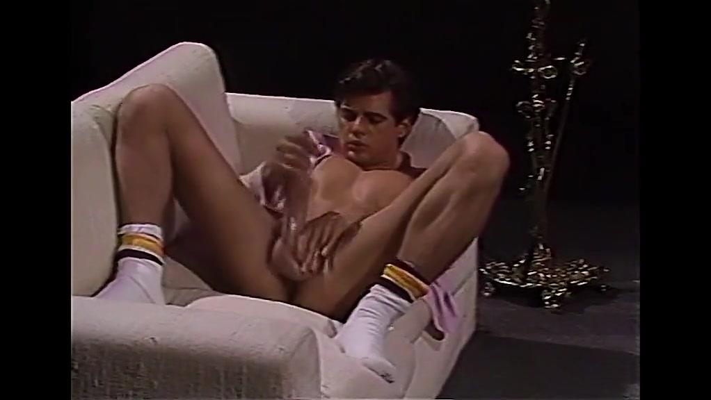 JEFF STRYKER - a true Dicklegend. Tight shirt huge tits