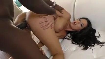 Jamais elle navait baise avec une bite black geante pareille Beautiful nude girls having sex