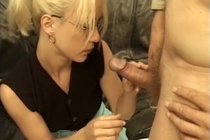 Vieux Pervers & Etudiante 18ans What sex position feels best for guys