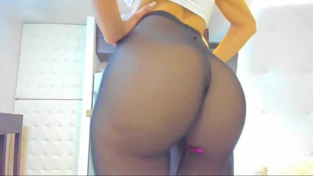 Big Ass in Black Pantyhose Maddy amateur allure