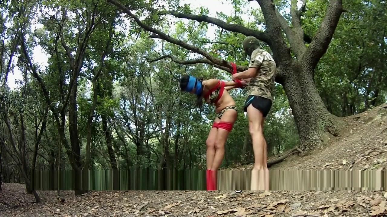 Outdoor Bondage - Experimento con camaras tipo gopro Naked college redhead women