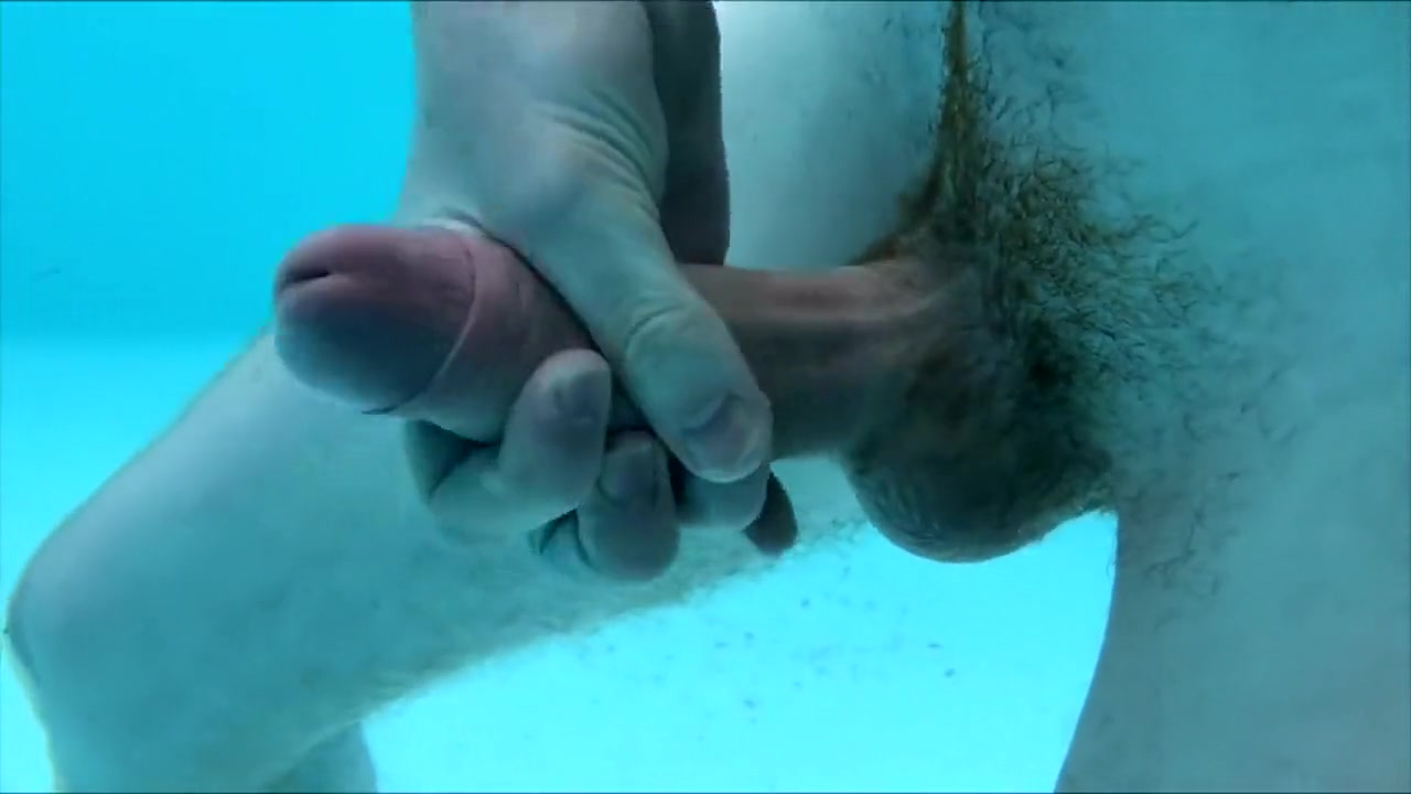 Underwater fun jessica biel tits in chainsaw massacre