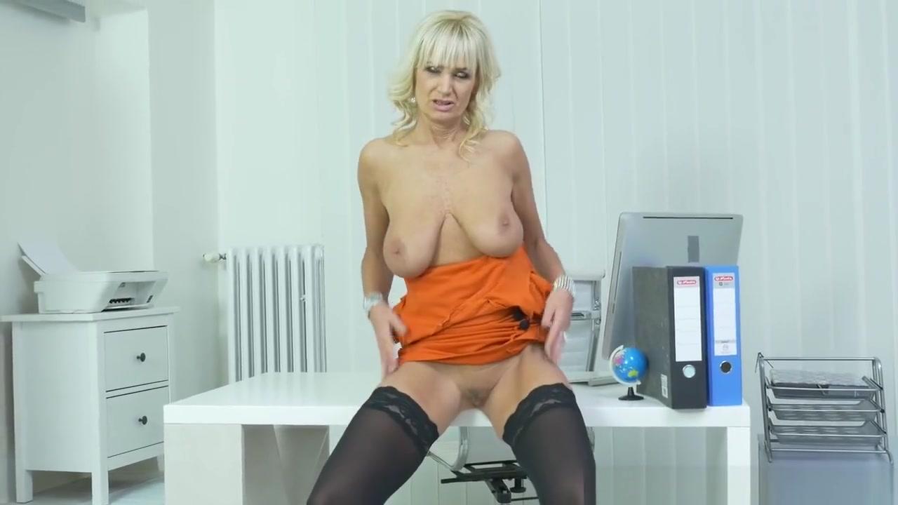 Euro Gilf Roxana Is Your Pantyless Secretary Free Vidoe Pron