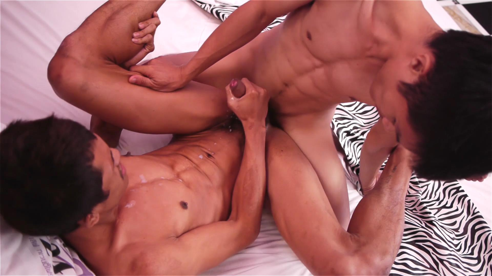 Robin and David Bareback - AsiaBoy definition of recreational sex