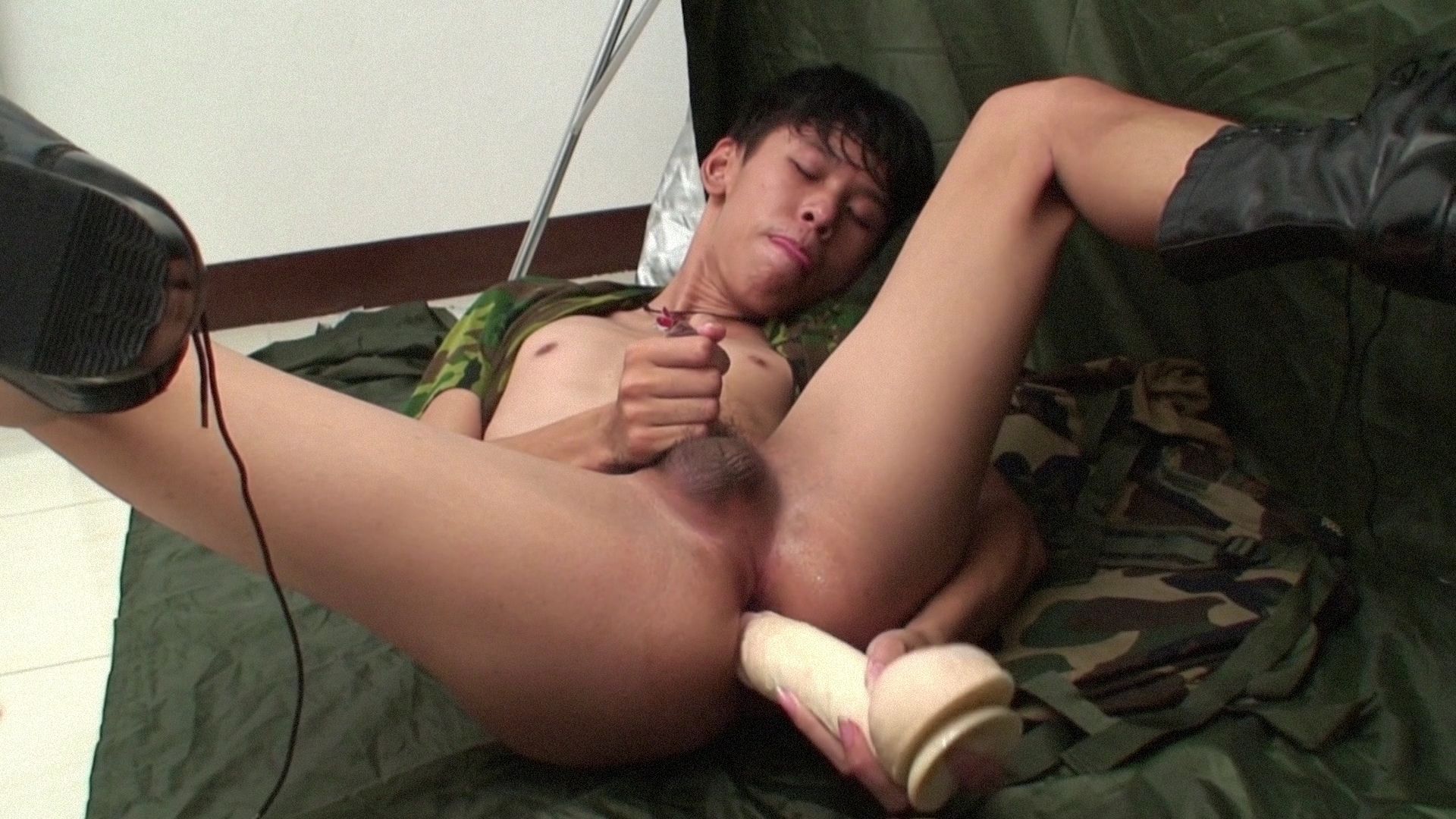 Jacop Beating Off - AsiaBoy Girls, into gangbang &. cumswallowing 1 video