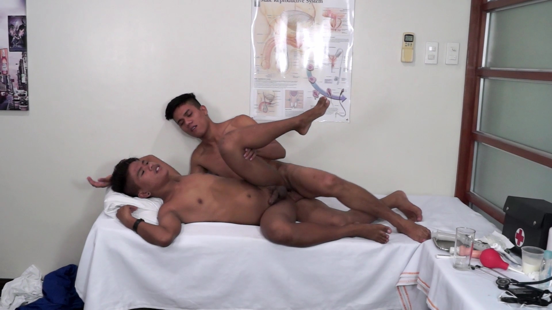 Russel and Simon - DoctorTwink Milf anal interracial cream pie