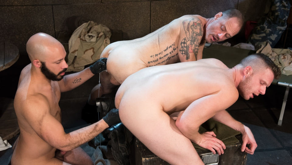 Brian Bonds & Dylan Strokes & D Arclyte in Arm-ageddon - ClubInfernoDungeon Things to know when dating a marine