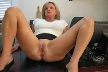 Wife spanked by her boss porn on x tube